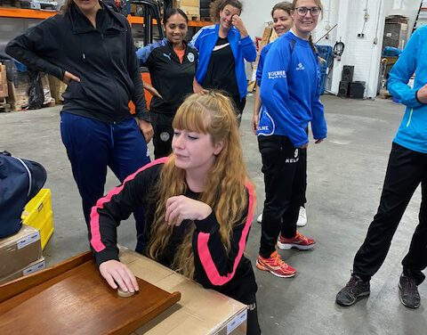 Vrouwen 1 doet aan teambuilding