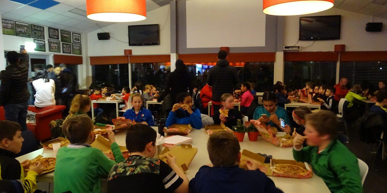 Pizza-training voor zestig jeugdleden