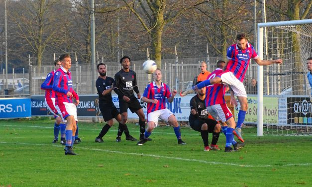 Zon-1 hard onderuit in derby